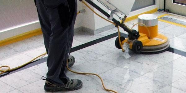 Servicios de limpieza y abrillantado en comunidades de vecinos